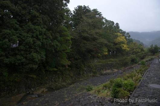 素鵝川(すががわ)