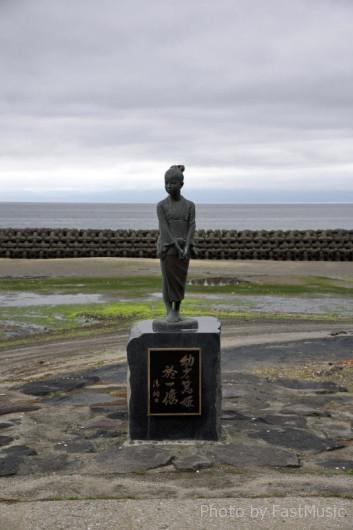 薩摩今和泉の篤姫像