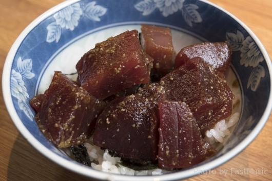 ラーメン河「マグロ丼」