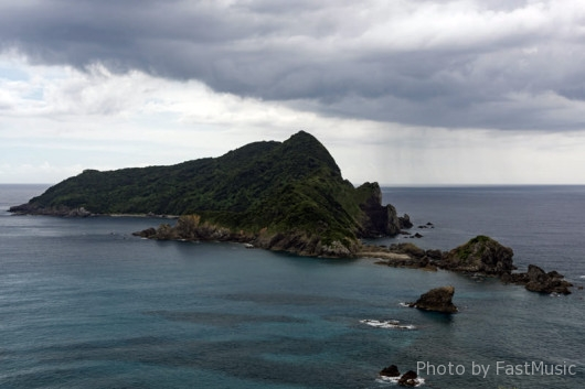 後藤鼻展望所から望む沖秋目島