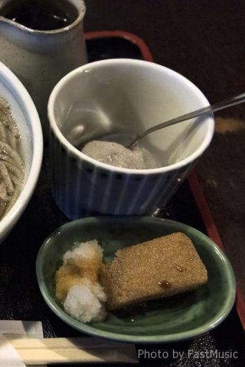 ふなつ(蕎麦がきの揚げもち、蕎麦がきぜんざい)