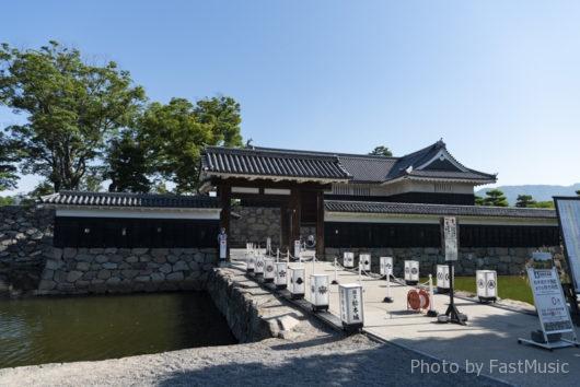 松本城・高麗門